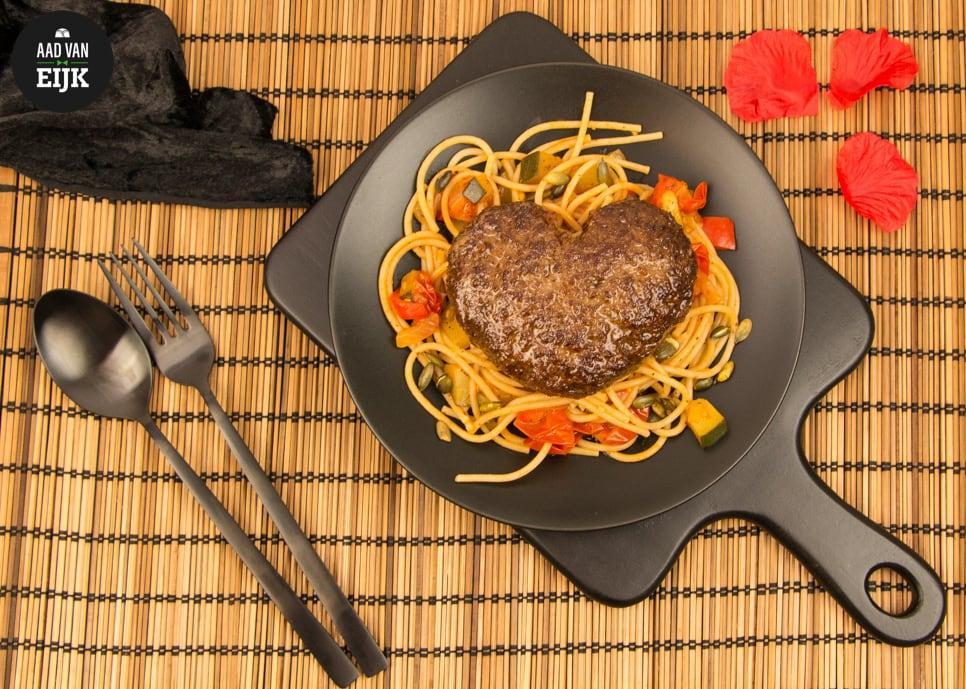 Spaghetti Met Liefdesburger Slagerij Aad Van Eijk